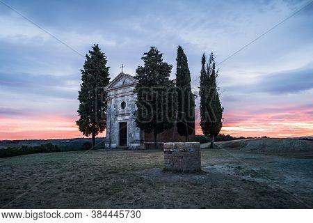 San Quirico D'orcia, Italy - August 18 2020: Chapel Capella Della Madonna Di Vitaleta In Val D' Orci