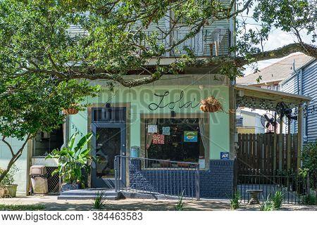 New Orleans, Louisiana/usa - 9/7/2020: Lola's Restaurant On Esplanade Avenue