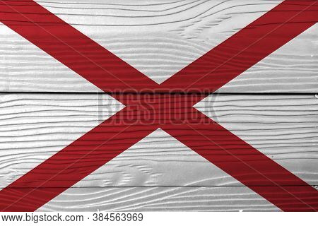 Flag Of Alabama On Wooden Wall Background. Grunge Alabama Flag Texture, The States Of America,  Red