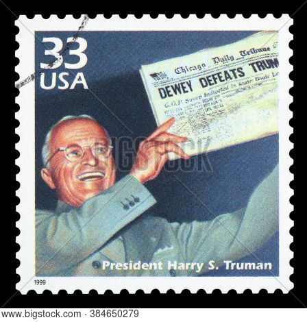 United States Of America - Circa 1999: A Postage Stamp Printed In Usa Showing An Image Of President