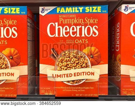 Alameda, Ca - Sept 7, 2020: Grocery Store Shelf With Boxes Of General Mills Brand Cheerios Cereal. N