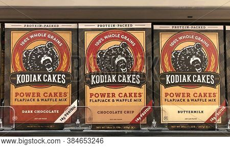 Alameda, Ca - Sept 9, 2020: Grocery Store Shelf With Boxes Of Kodiak Cakes Brand Flapjack And Waffle