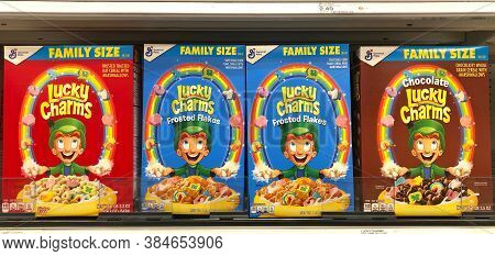 Alameda, Ca - Sept 9, 2020: Grocery Store Shelf With Boxes Of General Mills Brand Cereal, Lucky Char