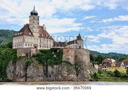 danube castle