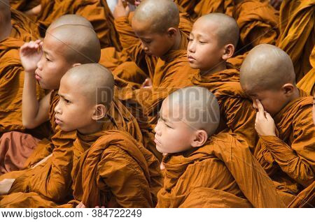 Bodh Gaya Bihar April 30th 2018: Child Cambodian Lamas Gatherd During Prayer Time At Bodh Gaya Bihar