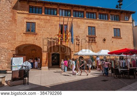 Campos, Balearic Islands/spain; September 2020: Weekly Street Market Of Clothing And Apparel In The