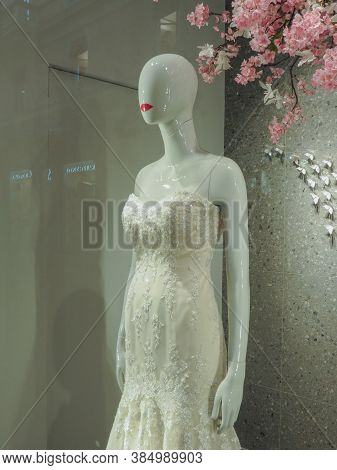 Bologna, Italy - Circa April 2018: Wedding Dress For Sale Worn By A Mannequin