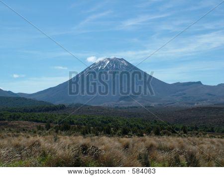 Conical Mountain: Mt Tongariro (NZ)
