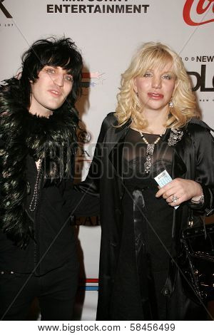 LOS ANGELES - DECEMBER 31: Noel Fielding and Courtney Love at the Gridlock New Years Eve 2007 Party on December 31, 2006 at Paramount Studios, Los Angeles, CA.