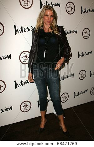 LOS ANGELES - NOVEMBER 02: Lucy Lawless at the Grand Opening of