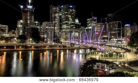 Brisbane Kurilpa Bridge at night
