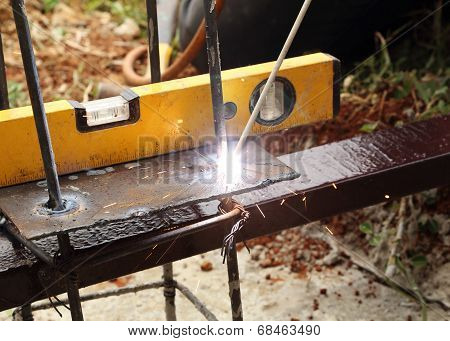 Electric Welding Connecting Metal