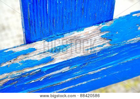 Blue woods that need to be repainted