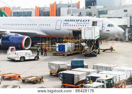 SHEREMETIEVO AIRPORT, MOSCOW, RUSSIA - MARCH 29 16: Aeroflot Aircraft is preparing to intercontinental flight March 29, 2015 in Moscow Sheremetievo Airport, Russia poster