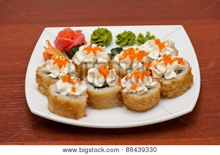 Roasted roll with cream cheese, and tobico caviar