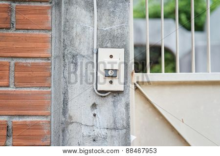 Doorbell Side Wall