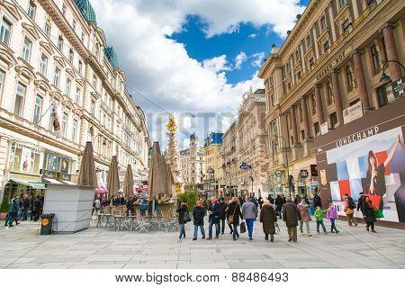 Graben street view and Plague column in Vienna