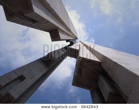 Monument in perspective