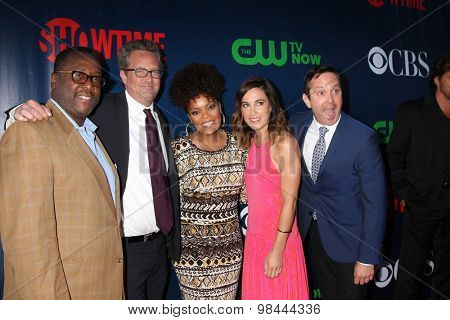 LOS ANGELES - AUG 10:  Wendell Pierce, Matthew Perry, Yvette Freeman, Lindsay Sloane, Thomas Lennon at the CBS Summer 2015 Party at the Pacific Design Center on August 10, 2015 in West Hollywood, CA