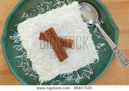 Brazilian Dessert: Sweet Couscous (tapioca) Pudding (cuscuz Doce)