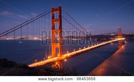 Golden Gate Bridge and San Francisco Skyline. Battery Spencer, Sausalito, California, USA.