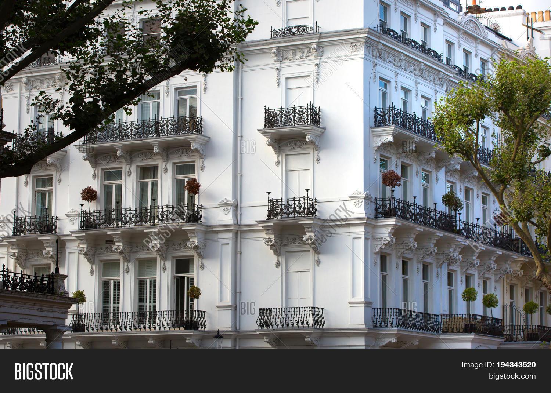 London Uk September 8 2017 Windows Of The Luxury Apartments In Kensington