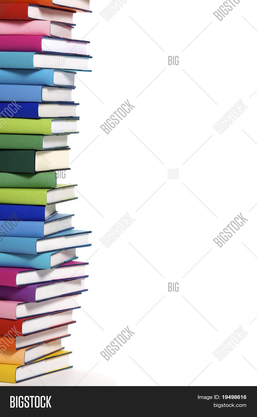 Imagen y foto Pila De Libros (prueba gratis) | Bigstock