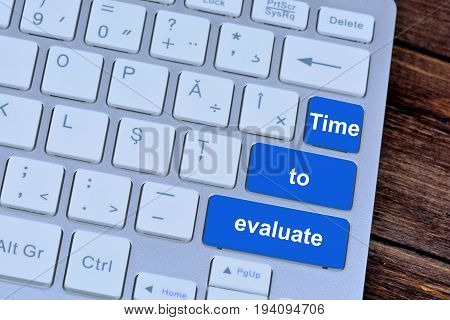 Time to evaluate on computer keyboard buttons