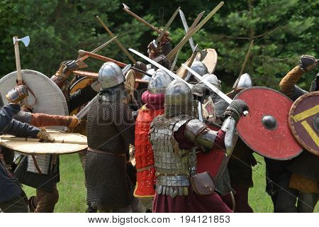 Medieval fights at International Festival of Experimental Archeology in Lithuania
