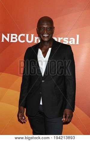 LOS ANGELES - MAR 20:  Peter Mensah at the NBCUniversal Summer Press Day at Beverly Hilton Hotel on March 20, 2017 in Beverly Hills, CA