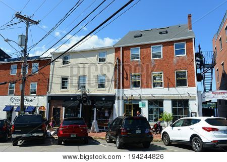 PORTSMOUTH, NH, USA - AUG 18, 2014: Portsmouth Bow Street is an 18th-century commercial path connect waterfront area in downtown Portsmouth, New Hampshire, USA.