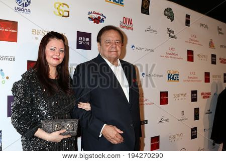 LOS ANGELES - FEB 26:  DeeDee Sorvino, Paul Sorvino at the Style Hollywood Oscar Viewing Dinner at Hollywood Museum on February 26, 2017 in Los Angeles, CA