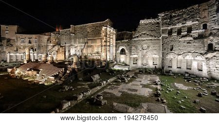 Foro di Augusto at night Rome Italy. Built in celebration of Augustus victory over the murder of Caesar in 42 BC. The site is dominated by the remains of the Temple of Mars. Museo dei Fori Imperiali