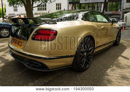 BERLIN - JUNE 17 2017: Personal luxury car Bentley Continental Supersports 2017. Rear view. Classic Days Berlin 2017.