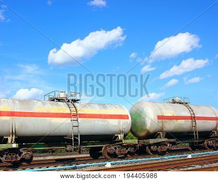 Rail tank cars, part of a train with combustible fuel in motion