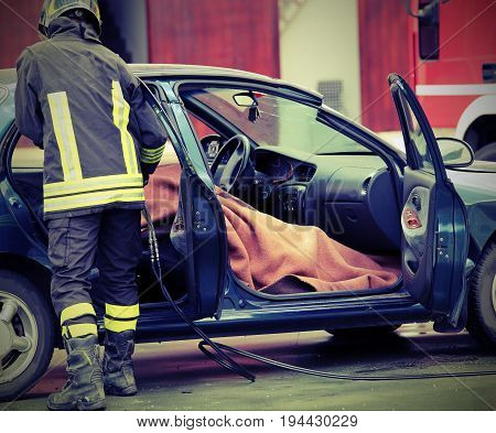 Firefighter Controls The Person Involved In A Tragic Car Acciden