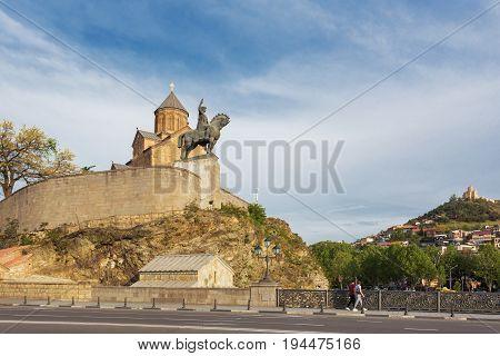 Metekhi Church of the Dormition of the virgin. Monument to Vakhtang I Gorgasali. Famous landmark in Tbilisi Georgia.