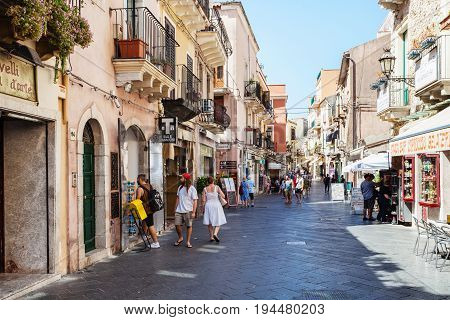 People On Main Street Corso Umberto I In Taormina