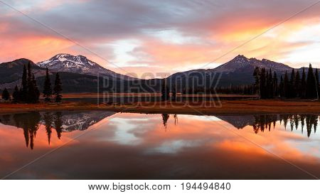 Sparks Lake Sunrise and Reflection, Cascade Lakes, Oregon