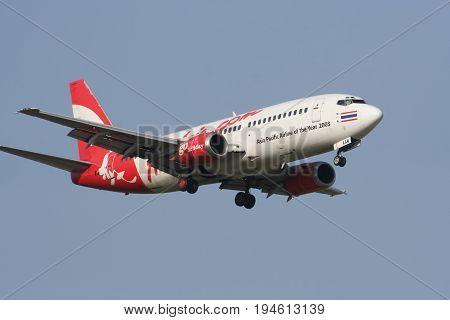 Hs-aam Boeing 737-300 Of Thai Airasia Landing