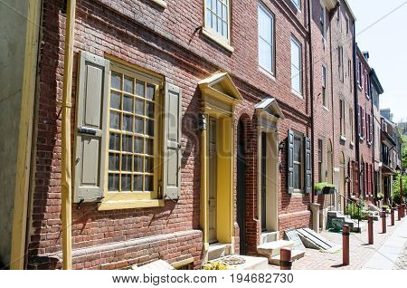 PHILADELPHIA, PA - MAY 14: View of The historic Old City in Philadelphia, Pennsylvania. Elfreth's Alley, referred to as the nation's oldest residential street, dating to 1702 on May 14, 2015