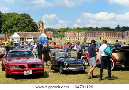 Sandhurst, Uk - 18Th June 2017: Visitors And Motor Enthusiasts Looking At Classic And Vintage Cars A