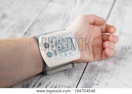 Man Himself Measured His Own Blood Pressure On A Wrist