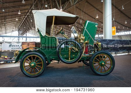 STUTTGART GERMANY - MARCH 17 2016: Vintage car Rover 6HP 1905. Europe's greatest classic car exhibition