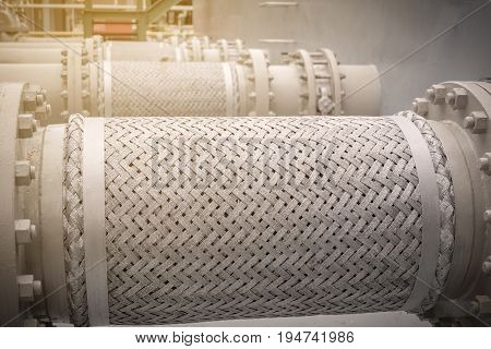 Flexible connection pipeline for absorb vibration in factory