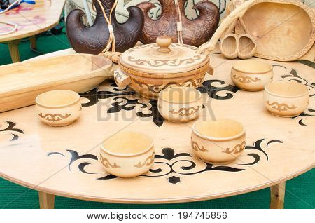 Kazakh national wooden tableware wooden round table gently