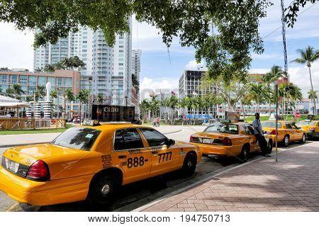Texi Yellow Cab