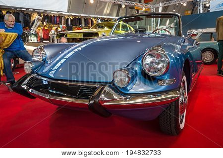 STUTTGART GERMANY - MARCH 17 2016: Mid-size luxury car Citroen DS21 Cabriolet. Europe's greatest classic car exhibition