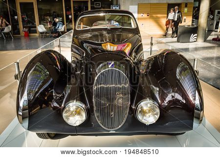 STUTTGART GERMANY - MARCH 18 2016: Vintage car Talbot-Lago T150 SS Teardrop Coupe 1937. Europe's greatest classic car exhibition