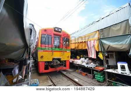 Mae Klong Train Marrket, Thailand